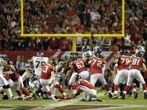 2013-1-13-seahawks-falcons-wiining FG