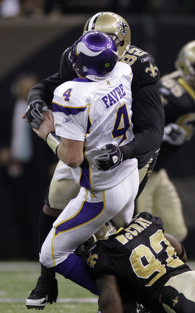 Οι Saints σφραγίζουν το εισητήριο για το Super Bowl με τον Favre να πετά interception στο τέλος του παιχνιδιού.