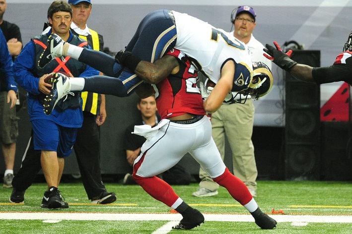 William Moore tackle vs Rams