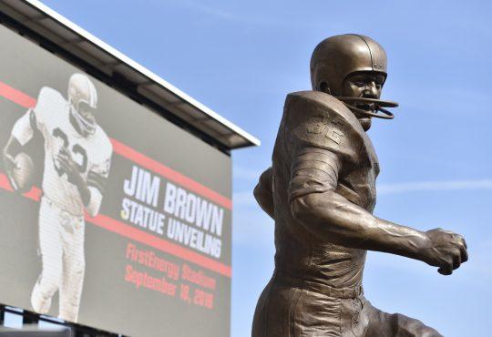 Jim Brown: Ο αθλητής φόβητρο